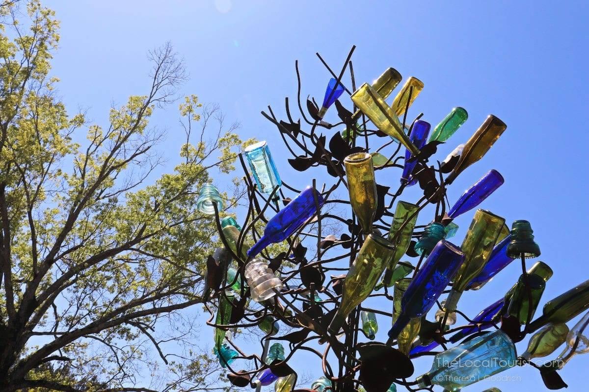 Bottle tree in Ridgeland, Mississippi
