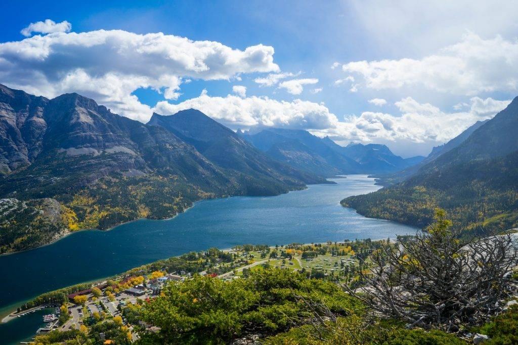 Glacier-Waterton International Peace Park, photo by Kay Rodriguez of Jetfarer