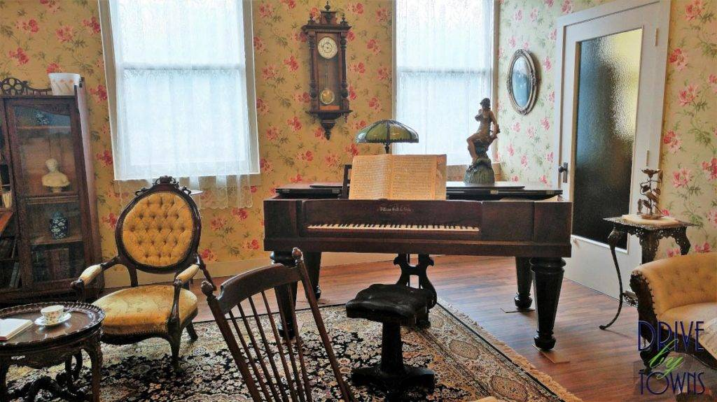 Parlor at the Floyd County Historical Museum