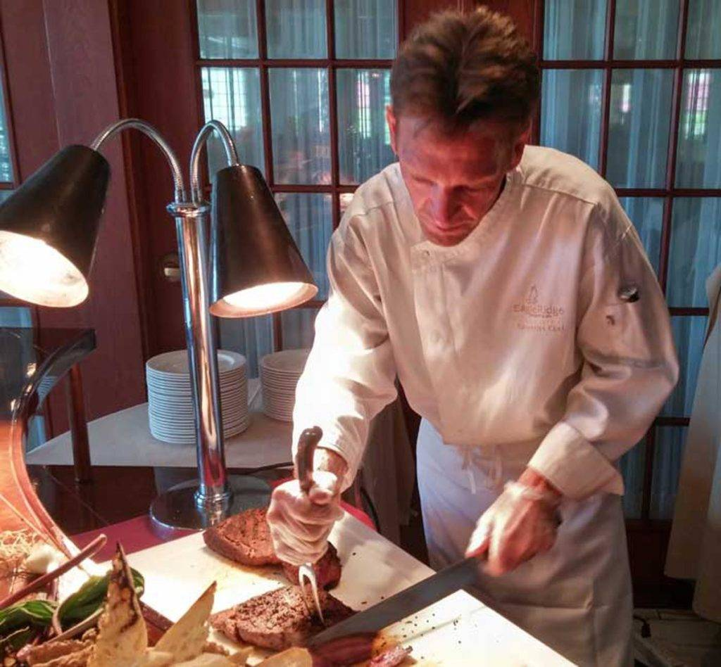 Eagle Ridge Morel Media - Chef Randy carving wagyu beef