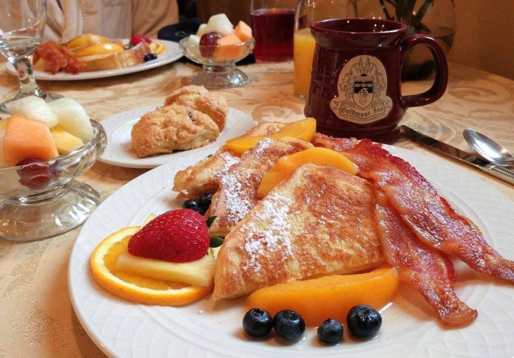 Breakfast at Goldmoor Inn