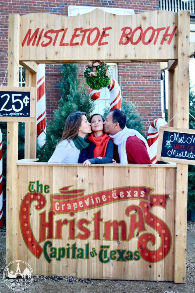 Grapevine, TX Christmas - Julie Ap